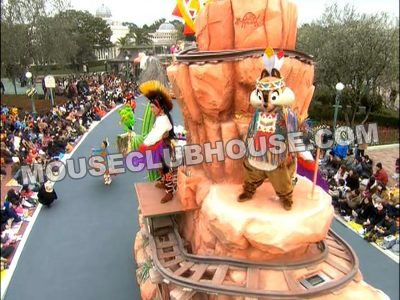 Dale wear one of Alyja's overdressings for the Disney Dreams on Parade in Tokyo Disneyland