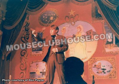 "Don Payne entertains in the ""Golden Horseshoe Revue"""